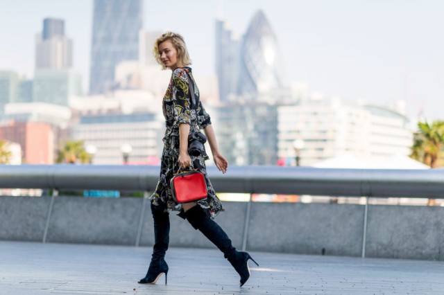 fall-dresses-fall-prints-boho-prints-fall-bags-over-the-knee-boots-black-heeled-boots-lfw-street-style-elle-com_-640x426